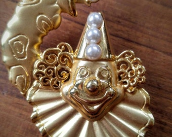 ON SALE-Fun Gold Clown Pin/Brooch with pearls-Vintage-Signed JJ-Fun-All Orders Only .99c Shipping!