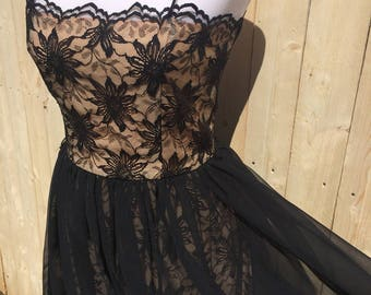 Vintage classic 50's 60's lace and chiffon dress