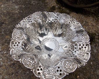 Solid Silver Comport / Tazza London 1901/2