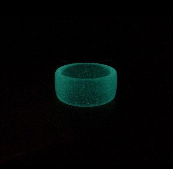 glow in the dark resin ring aqua. Black Bedroom Furniture Sets. Home Design Ideas