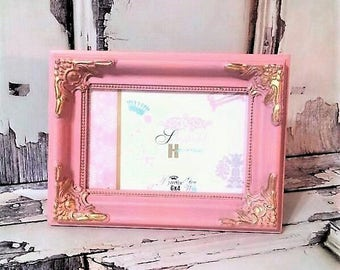 """Shabby Chic Pink and Gold Ornate 4"""" x 6"""" Picture Frame"""
