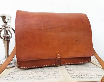Old Vintage  French leather bag / purse / should bag / Laptop bag / case / messenger bag / briefcase / brown leather