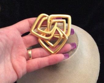 Vintage Unique Large Goldtone Pin
