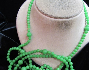 Vintage Long Green Glass Beaded Necklace