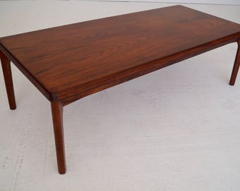 Gorgeous MId Century Danish Modern Coffee Table By Henning Kjaernulf In  Rosewood   Refinished!