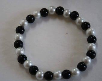 Black and White Pearl Bracelet, Pearl Bracelet, Black and White Bracelet, Black and White Pearls