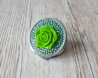 Compact mirror, green pocket mirror, circle mirror, green mirror, gifts for her, christmas present, anniversary gift, birthday gift, unique