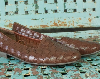 Vintage Brown Woven Flats by Leather Craft by Premiere with Almond Toe womens size 8