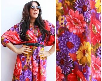 Vintage 70s Floral Maxi Dress / Kaftan / One Size