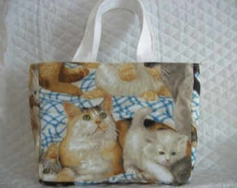 """Insulated Lunch bag in Cats Print,Great for Children or Adults,Zipper to close with lots of room on inside.8""""X 10"""" X 3"""".Cold or warm"""