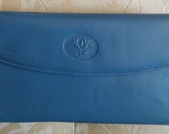 Buxton Sky Blue Leather wallet in Aniline Goatskin// iconic Canadian maker, large blue organizer wallet