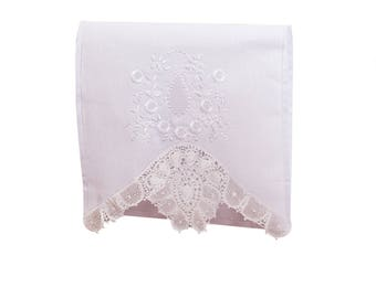 White Decorative Towel with Embroidered Lace Linens (Handmade Décor) for Kitchen and Bathroom