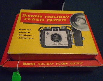 Mid Century Brownie Holiday Flash Outfit