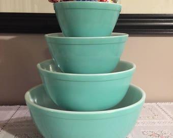 Vintage pyrex turquoise mixing bowl set 441, 442, 443, 444