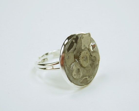 Ring movement gears in concrete steampunk concrete jewelry Silver Ring Mount jewelry Concrete jewelry gear Vintage Retro