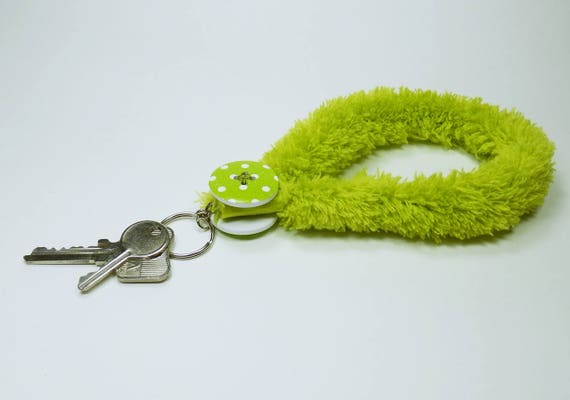 Key ring Fluffy green with big green knob with white dots, pendant keyring Keychain for Keychain