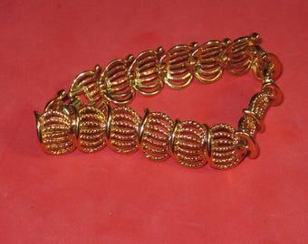 A-49 Vintage Bracelet 7 in long