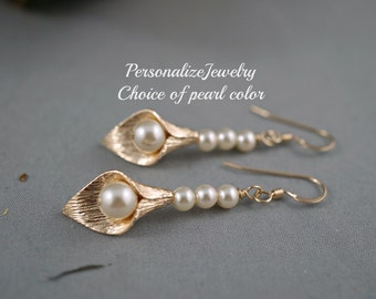 Gold Calla Lily Earrings, Bridesmaid Gift, Unique Jewelry, Pearl Color Options, Swarovski Simple Dangle Earrings, Flower Jewelry, Bridesmaid