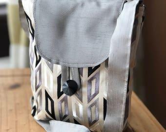 Patterened crossbody hand bag