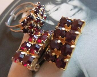 Old jewel, old jewelry set, ring, adjustable, clip-on earrings, Vintagezustand, costume jewelry, vintage, 60s, Garnet glass blocks,.