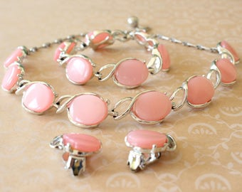 Vintage Pale Pink Thermoset Moonglow Lucite Parure Necklace, Bracelet, Clip Earrings Set Silver Tone