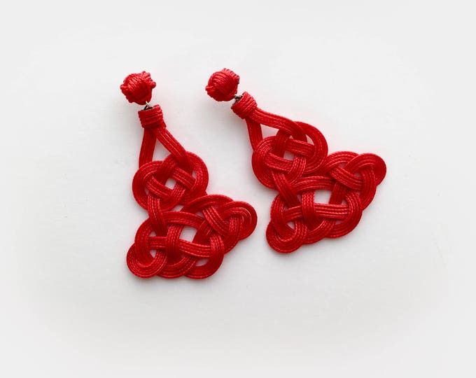 Chinese Temple Knot Earrings, Sz Large, Macrame earring, macrame, love knot earring, chinese knot, paracord, ornamental knot, nautical knot
