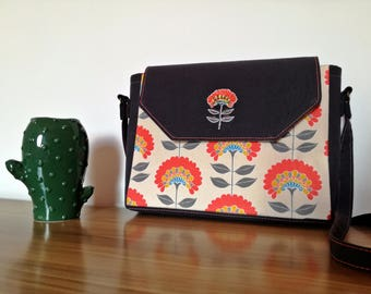 -Rigid grey cotton shoulder bag with coral red flowers