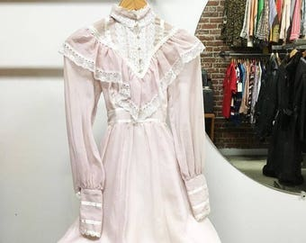 Sold in store. Do not buy. Vintage Seventies 1970s Gunne Sax mini dress. Extra small. Petite.