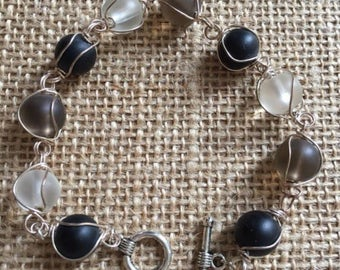 Wire wrapped bracelet, Cloudy black/black  plastic beads bracelet.