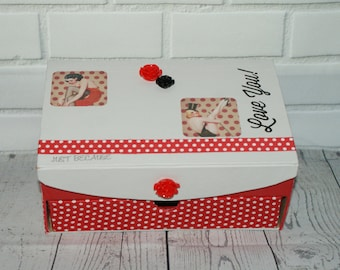 box jewelry pin-up red