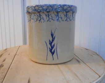 Vintage Robinson Ransbottom Pottery 2qt high jar spongeware wheat pattern blue storage crock rustic kitchen country cottage farmhouse