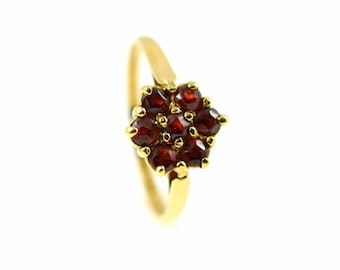 REDUCED! 9ct Yellow Gold Garnet Cluster Ring-Circa 1979, 9ct Gold Granet Ring, Garnet Cluster Ring