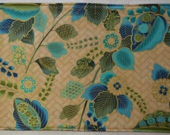 4 Oriental placemats/2 potholders,  reversible placemats, linens, cloth placemats