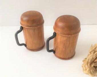 Vintage Wood Salt and Pepper Shakers / Vintage Wood Shakers / Wood Salt and Pepper / Vintage Salt and Pepper / Rustic Salt and Pepper