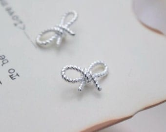 2 pcs sterling silver tiny twist bow connector link charm pendant  , QY2