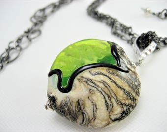 Necklace - Ivory and green lentil on mixed gunmetal chain (041-03W5)