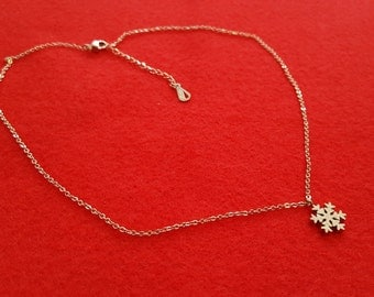 Rose Gold Snowflake Necklace, Dainty  Pendant Necklace, Snow ,Snowflake,Birthday Gift