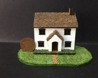 1/144 scale detached house with garden