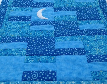 Contemporary blue baby quilt