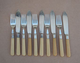 Vintage Fish Cutlery - 10 Piece Set [5x Knives/5x Forks] - Silver Plated - Bakelite Handles - Frank Cobb & Co - Vintage Silverplate