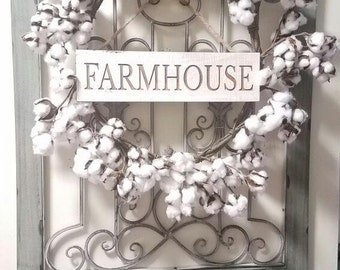 Farmhouse wooden engraved sign.