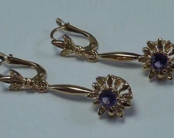 18K Yellow Gold Dangle Earrings With Purple Stones