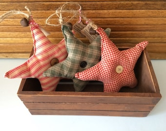 Set of 3 Homespun Star Ornaments/Fillers with rusty bells. Perfect accent for your country, prim or rustic decor-s407
