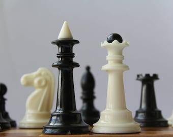 Soviet chess. Chess set. Vintage chess set. Chess USSR. Plastic chess.
