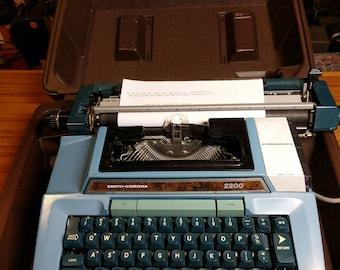 1970's blue Smith Corona Coronamatic 2200 electric typewriter - works great!
