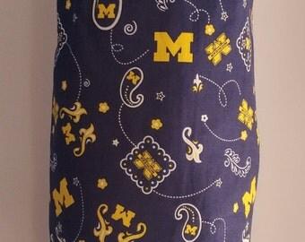 U of M paisley grocery bag holder