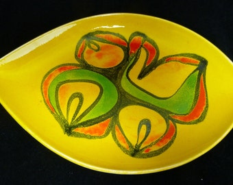 Poole Pottery Colourful Yellow Glaze Delphi Ware Plate Teardrop Shape No 91 painted by Cynthia Bennett, c 1970s