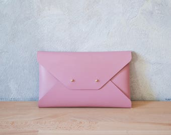 Pastel pink leather clutch bag / Pink envelope clutch / Bridesmaid clutch / Genuine leather / Pastel pink clutch
