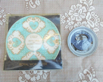 Set of 2 Royal Cremative Porcelaine Plates - Royal Worchester
