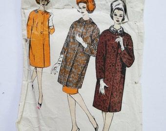 Vintage Sewing Pattern circa 1960s Coat Dolman Sleeves - Le Roy Pattern 3013